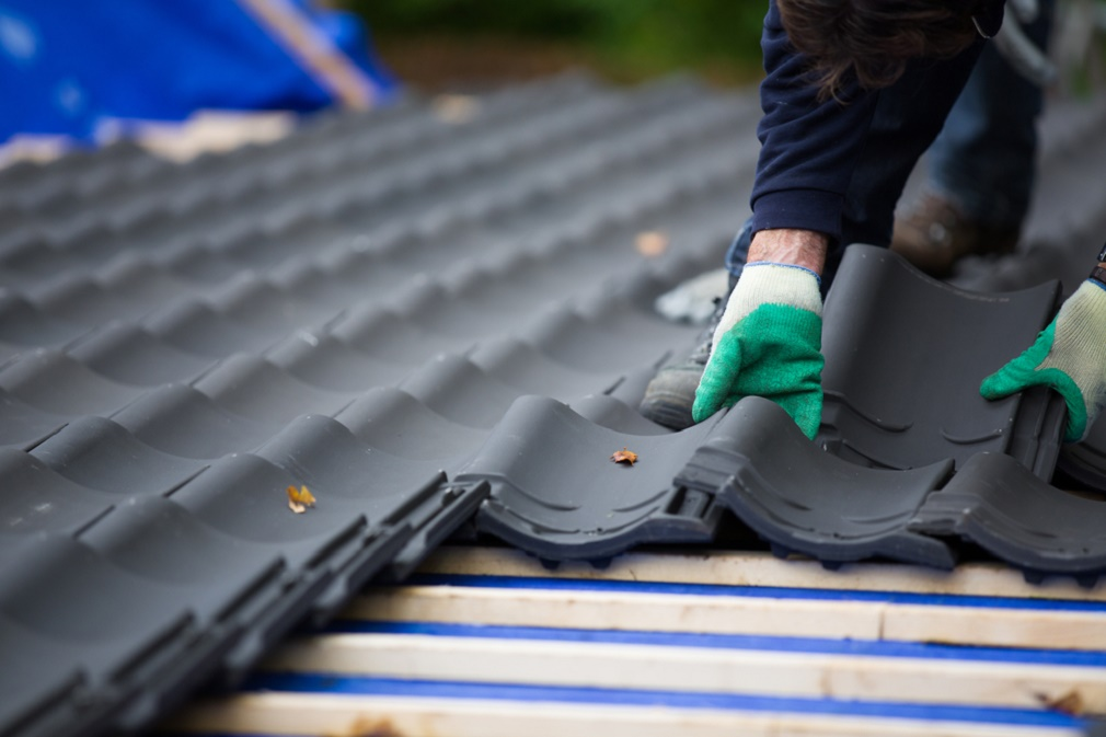 Tips for Choosing the Right Roofing Material